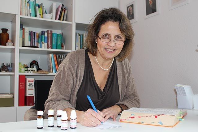 Dr. Angela Lehmann
