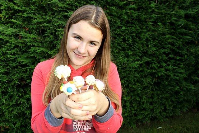 Antonia mit Cake Pops