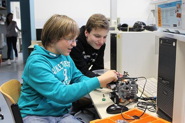 Robocup: Moritz und Luis