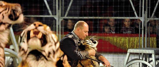 Rüdiger Probst mit seinen Tieren.