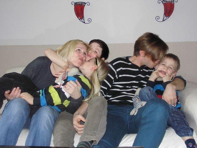 Familie Hünrichs_Knutschalarm_Victroia Gottberg.jpg