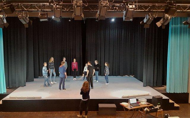 Erste Proben im neuen Holzhaustheater Zielitz
