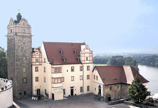 Schloss Bernburg mit Eulenspiegelturm
