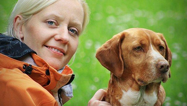 Unsere Haustier-Expertin Andrea Stanierowski mit Hund Stanley.
