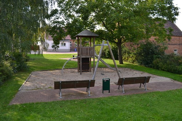 Kletterbogen Spielplatz : Spielplatz calenberge ottokar
