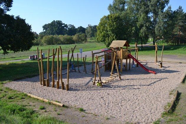 Spielplatz Steinzeitdorf Randau