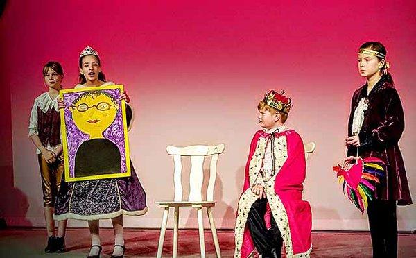 Die Prinzessin auf der Erbse am Holzhaustheater Zielitz