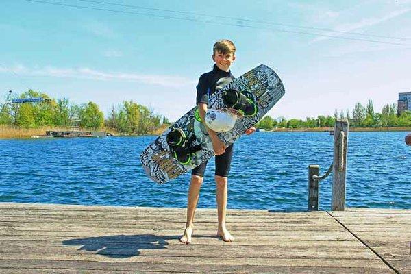 Rob Eisenga beim Wasserski auf cable island