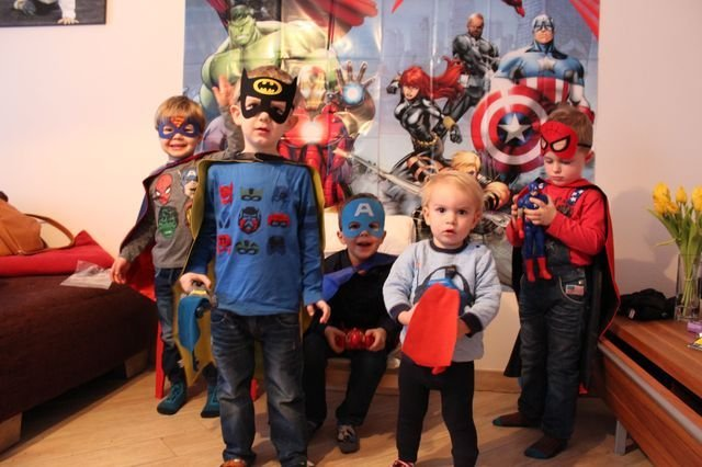 Superhelden-Party zum Kindergeburtstag