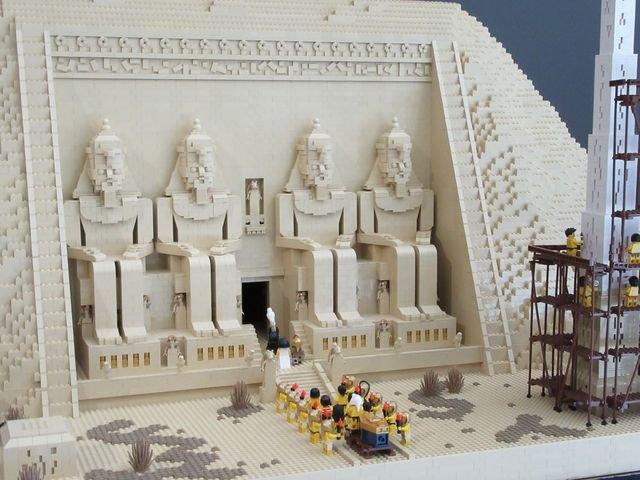 LEGO-Zeireise im Flora-Park