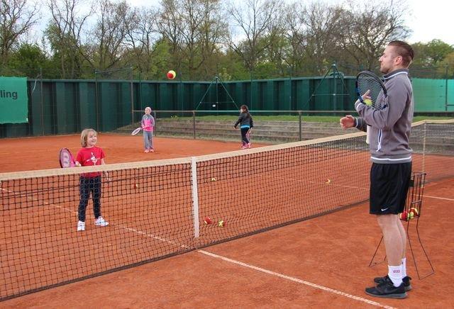 Einzeltraining beim Tennis