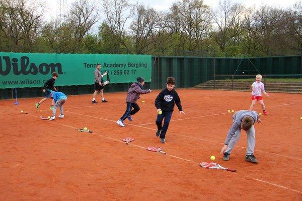 Aufwärmen beim Tennis