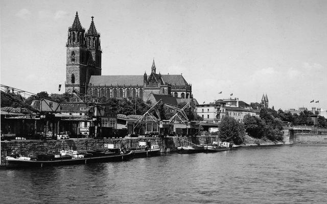 Elbufer der Altstadt 1936