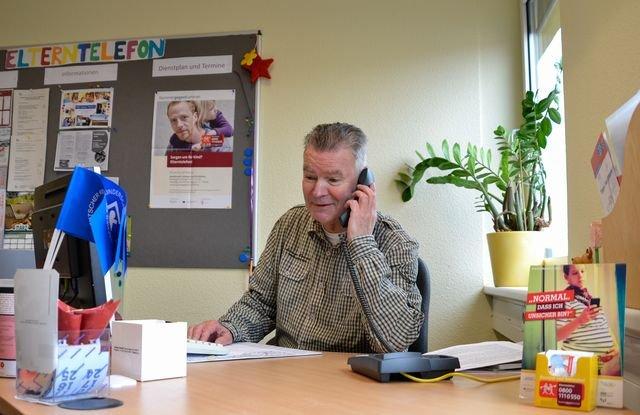 Knut Eicke am Eltertelefon