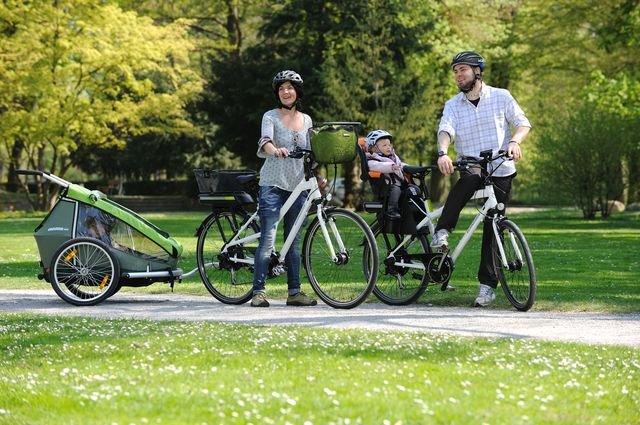E-Bikes werden auch bei Familien immer beliebter