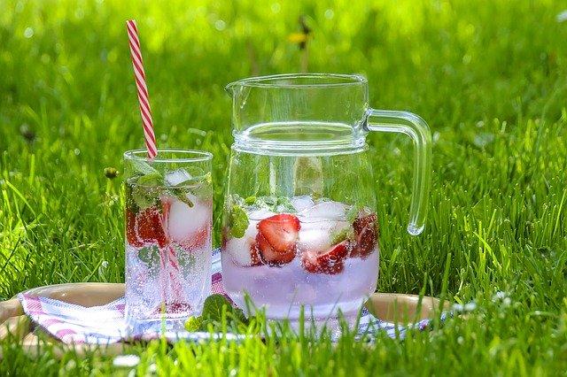 Erdbeer-Wasser