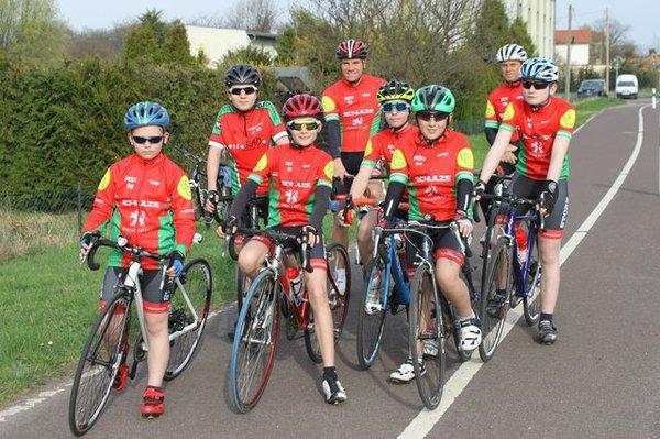 Die jungen Rennradfahrer des MSV 90