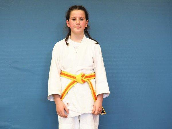 Lara trainiert Judo